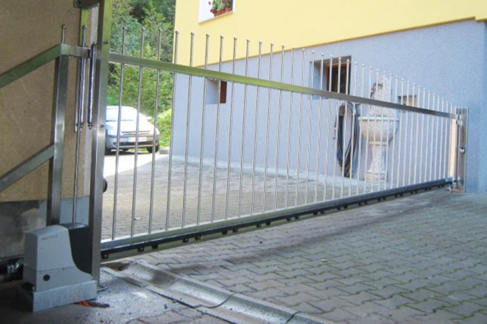 Dvoriščna vrata iz inoxa