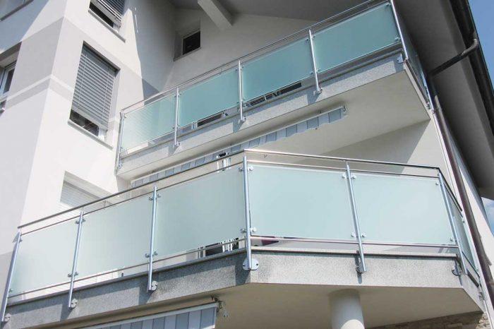 Balkonska inox ograja steklena